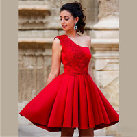 2017 New Arrival Red Mini A Line Homecoming Dresses One Shoulder Beautiful Lace Short Party Dresses