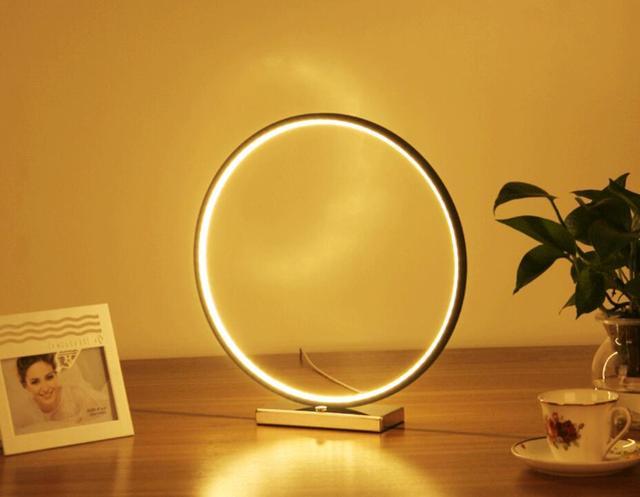 La tecnologia rotondo sfera geometrica anello cerchio lampada da