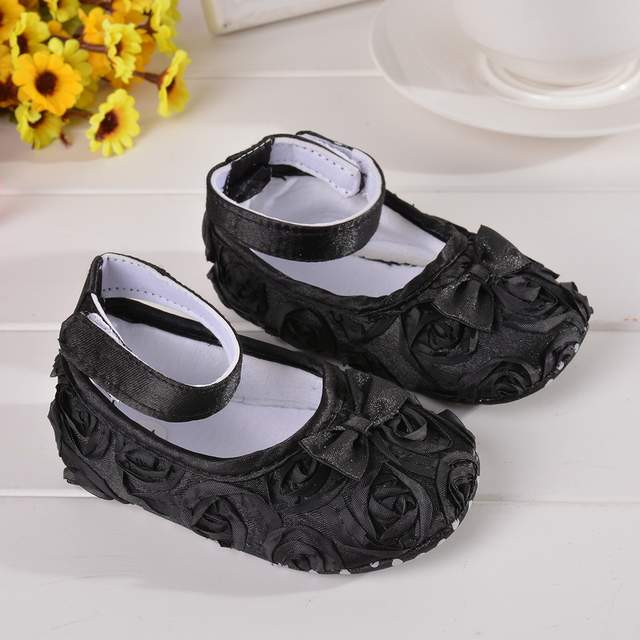 0ce75e6d4c US $0.77 28% OFF Lovely Floral Baby Newborn Toddler Girl Crib Shoes Pram  Soft Sole Prewalker Anti slip Baby Shoes With Flowers Toddler Crib 13cm-in  ...
