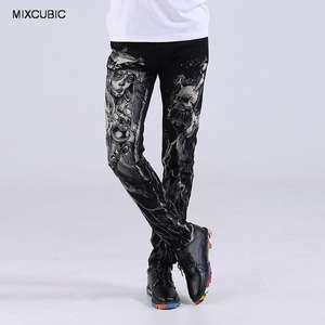 MIXCUBIC Autumn European style street Nightclubs skull printed jeans men black casual slim printing washed jeans men,size 28-38