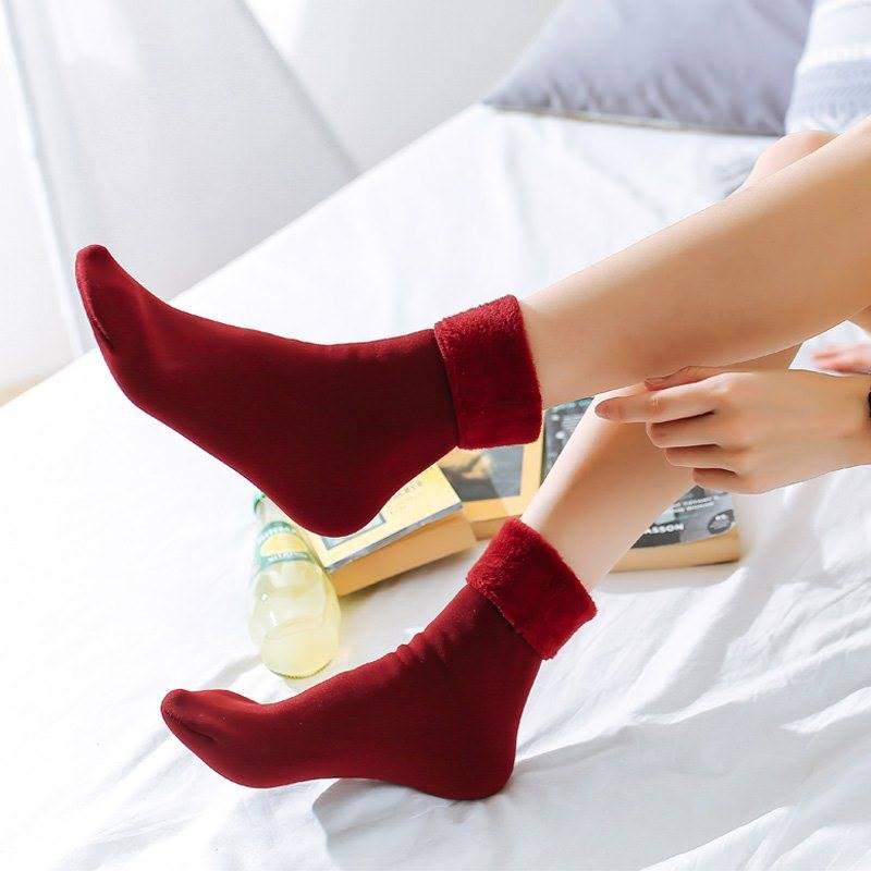 Winter Warm Socks Cotton Fabric Soft Comfortable Women Christmas Winter Socks Ladies Thermal Wool Cashmere Snow Socks Medias