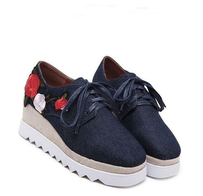 New Summer Shoes Thick Platform Lace Platform Casual Shoes Flower Square Head Shoes Wholesale