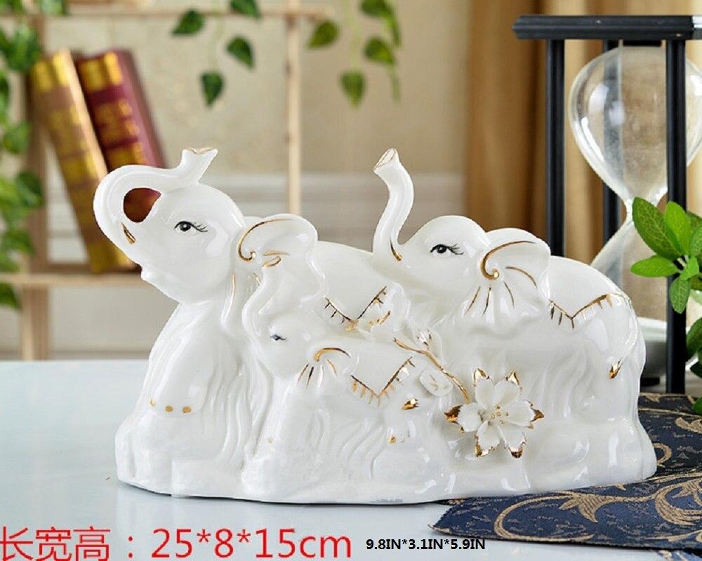 Idées cadeaux de mariage pour une famille de trois salon meuble TV ameublement éléphant éléphant ornement artisanat orn