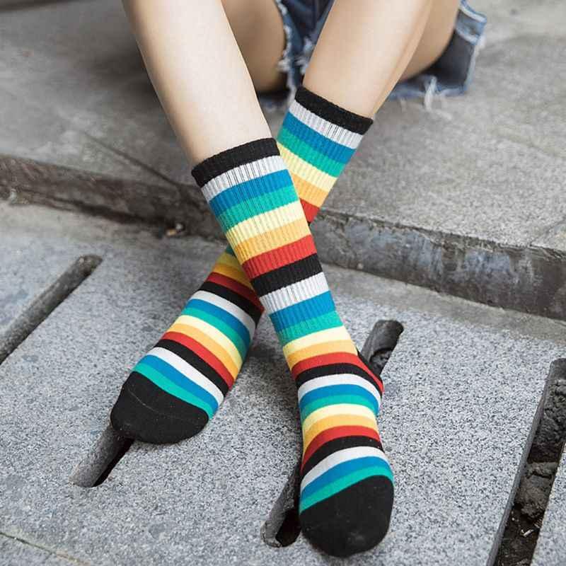 Mujer Unisex otoño Vertical acanalado de punto a media pantorrilla largo tobillo calcetines de algodón colorido Arco Iris rayas estampado holgado Stre