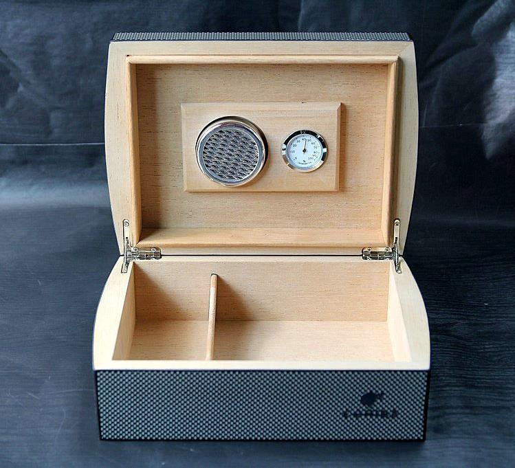COHIBA Cigar Case Humidor Travel cedar Wood cigar box With Humidier and Hygrometer carbon fiber face