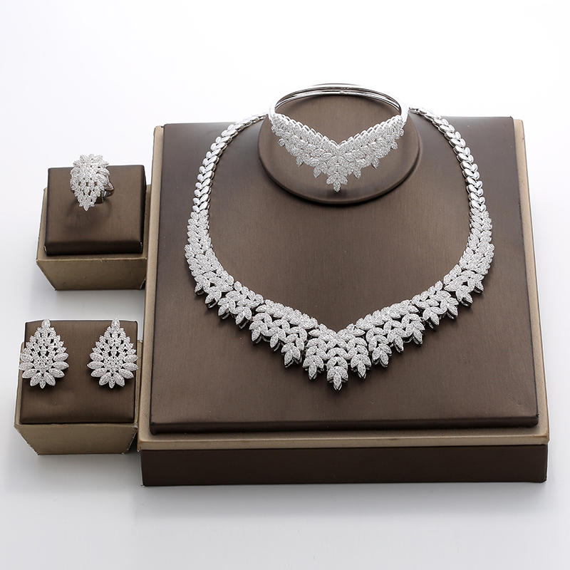 Hadiyana 2018 Noble Micro Pave Cubic Zirconia Dubai Jewelry Sets Latest Luxury Bridal Wedding Jewelry 4pcs Set For Women TZ8025