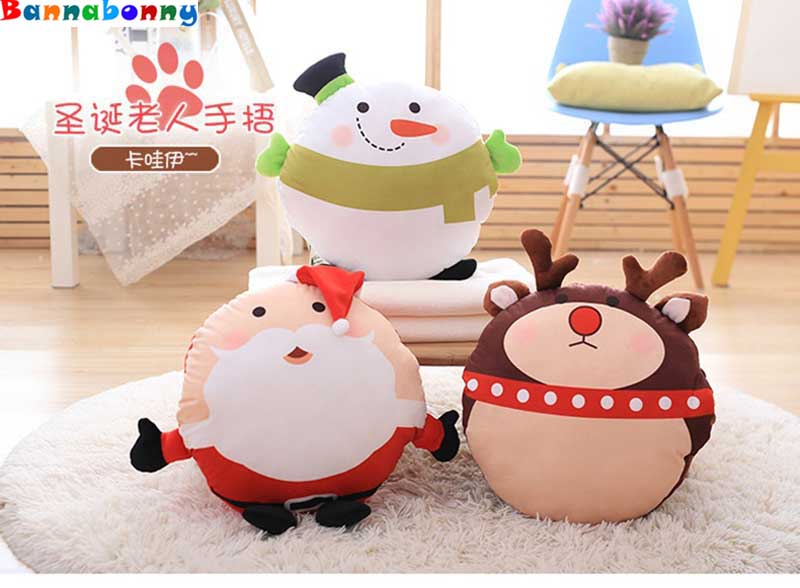 High quality fashion Christmas gift Warm hand hold pillow plush toy cushion for leaning on