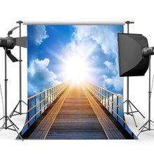 Лестница на небеса фон небесная лестница Святого Света фон голубое небо белый облачный фон