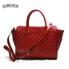 цена на SUWERER 2018 New women Genuine Leather bags for women luxury fashion women bags Embossed Flowers bag women leather handbags