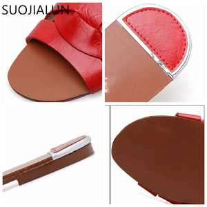 Image 3 - SUOJIALUN 2019 Beach Women Slippers Sandals Women Slippers Flat Heel Casual Ladies Shoes Outdoor Female Slides