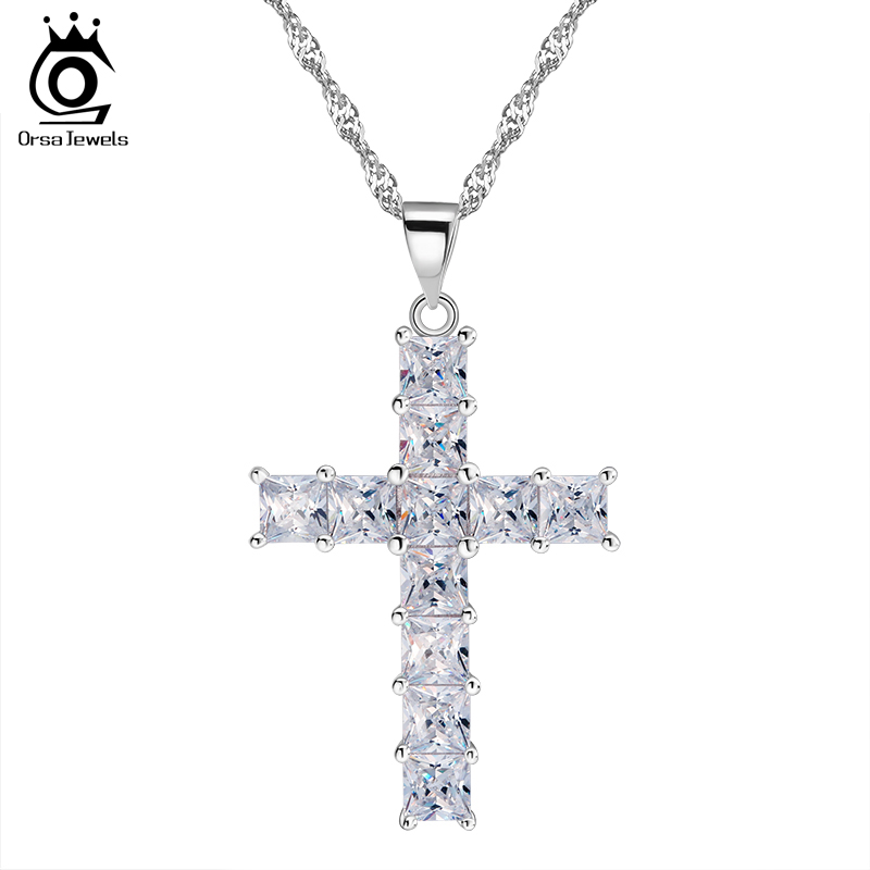 Luxury Cross Pendant Necklace made of 11 Pieces Princess ...