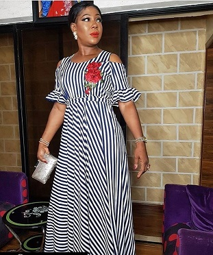 Black White Vertical Striped Bohemia Dress Lady Summer Cut Off Shoulder Short Sleeve Robe Flower Embroidery Sash Maxi DressAM261