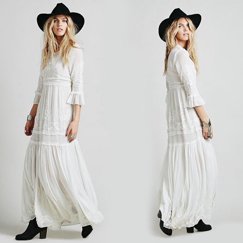 0147cb578fc Bohème Broderie Femmes boho robe Longue maxi Robe Noir blanc robe Avec  Manches Longues Femme chic robes marque vêtements dans Robes de Mode Femme  et ...