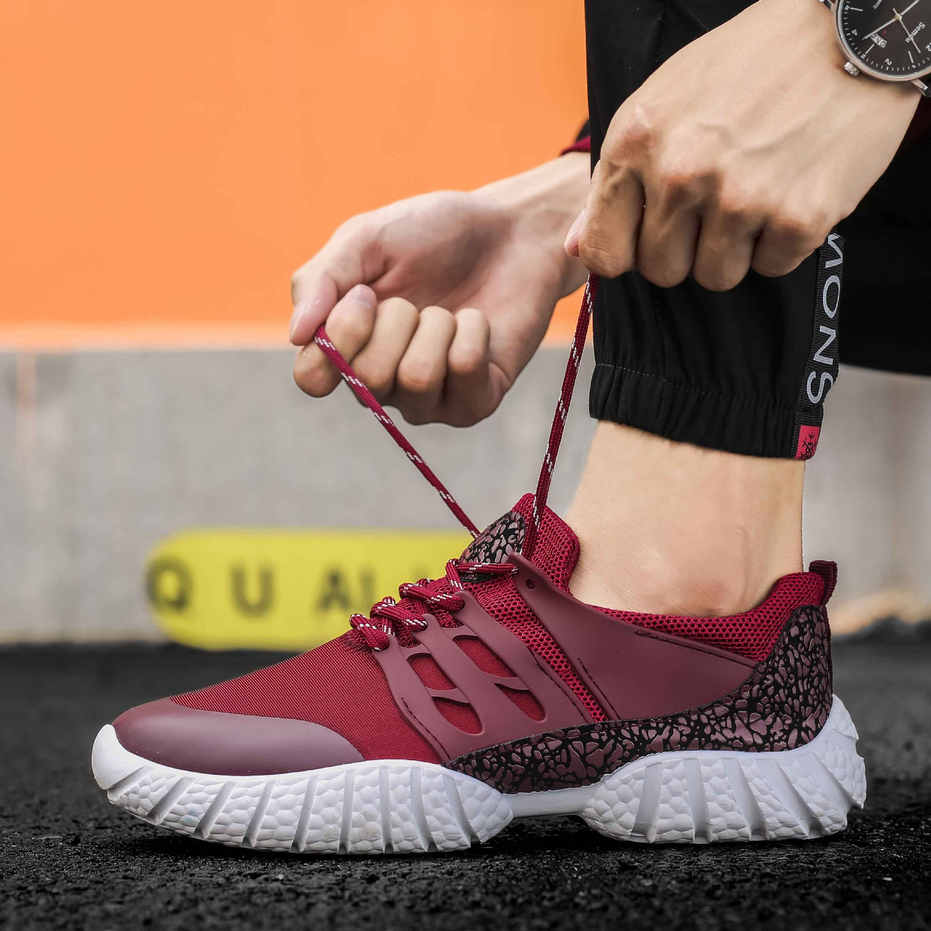 Hot 2018 Trend Running Shoes For Men Sneakers Breathable Mesh Shoes Laces Sport Shoes Running Shoes Male Plus Size 39-46