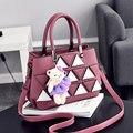 Темно-Розовый PU Женская Мода сумки На Ремне Crossbody Дамы Офис Сумки Белый Треугольник Кожа Украшения