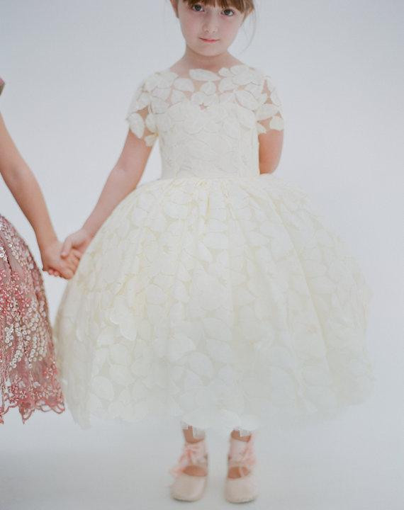 Ivory White Girls First Communion Gown Handmade Appliques Lace Girls Birthday Gown Flower Girl Dress for Wedding Party Any Size ivory white girls first communion gown handmade appliques lace girls birthday gown flower girl dress for wedding party any size