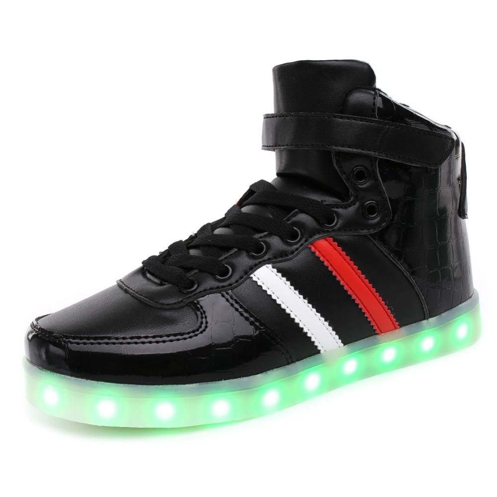 Երեխաները բարձր կոշիկներով շնչող տղաներ և աղջիկներ Նորաձևության սպորտային կոշիկներ 7 գունավոր LED լույսեր USB- ի երիտասարդության վերալիցքավորվող լյումինեսցենտային կոշիկներով