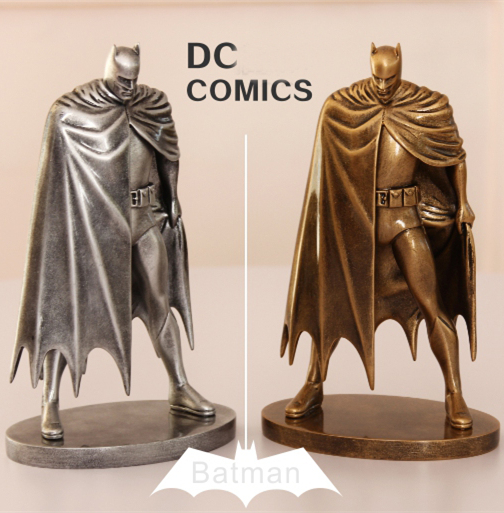 SAINTGI Superman V Batman Justice League Gray Movable The Dark Knight Marvel PP BAG Rises Avengers Super Hero PVC 19cm Figure justice league dark volume 5 paradise lost