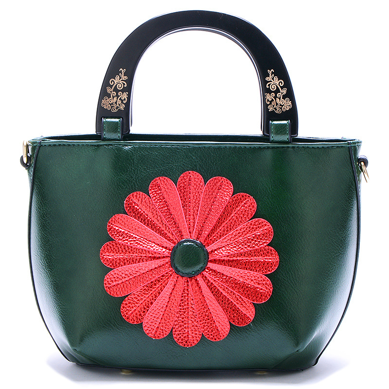 1801 new Summer flowers womens bags tide satchel carved soft Leather bags sweet Sunflower Handbags Ladies Single Shoulder Bags1801 new Summer flowers womens bags tide satchel carved soft Leather bags sweet Sunflower Handbags Ladies Single Shoulder Bags