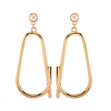 Creative ear earrings popularity Ms in Europe and the hollow out environmental alloy pendant