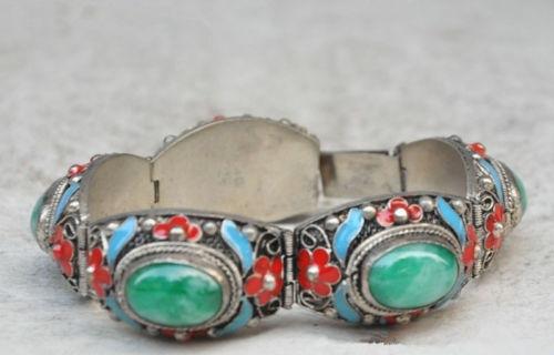 Exquisite Chinesa do Tibete prata incrustada com verde jade cloisonne pulseira flor