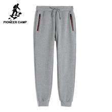 Pantalones de chándal de lana Pioneer Camp para hombre, pantalones de chándal ajustados gruesos negros de invierno y otoño, pantalones 100% algodón para hombre AWK702321
