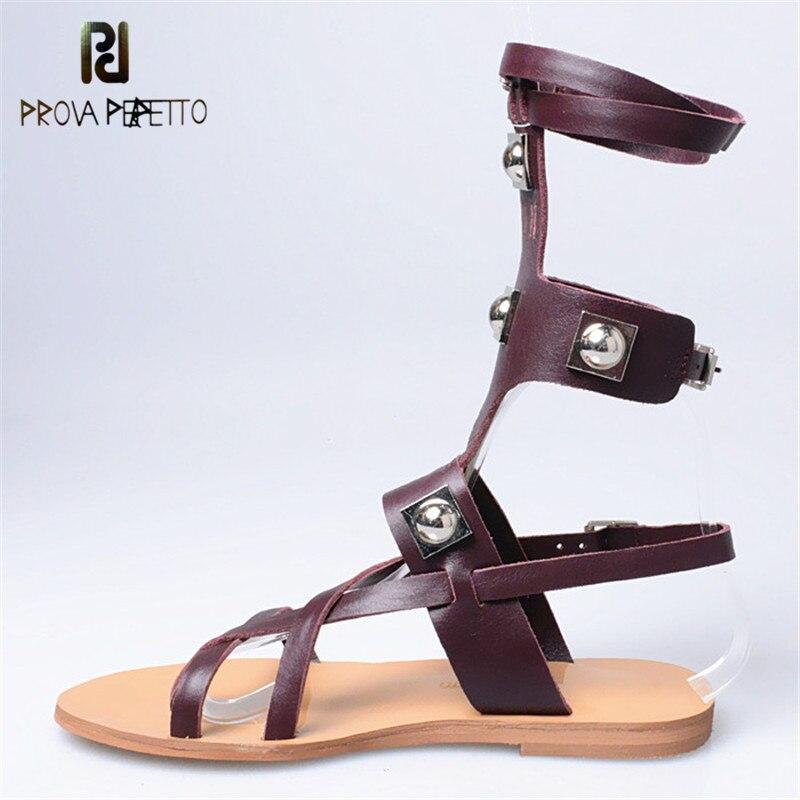 Ayakk.'ten Kadın Sandaletleri'de Prova Perfetto Roma Tarzı Moda kayış Çapraz Dar Bant Düz Alt Sandalet Hakiki Deri Ayak Bileği Kayışı Metal Perçinler ayakkabı'da  Grup 1
