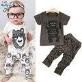 Retail 2016 del estilo del verano ropa infantil ropa de bebé establece boy Algodón pequeños monstruos 2 unids ropa del bebé de manga corta