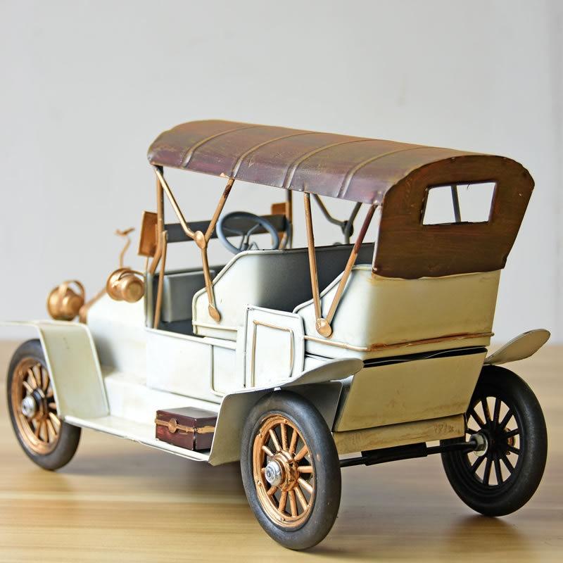 Vintage Vehicle Model Car Figurines Europe Style Metal Old Car Figurine Desktop Decoration Metal Crafts Birthday Gift - 2