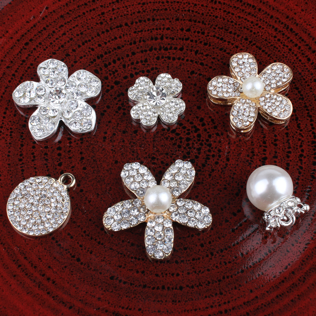 5PC Vintage Handmade Flower Rhinestone Buttons Bling Flatback Crystal Pearl  Decorative Buttons Flower Center Craft Supplies e0681e971d7d