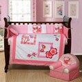 4 PCS rosa bordado fundamento do bebê berço infantil berço jogo do fundamento colchas, Incluem ( bumper + edredon + folha + travesseiro )