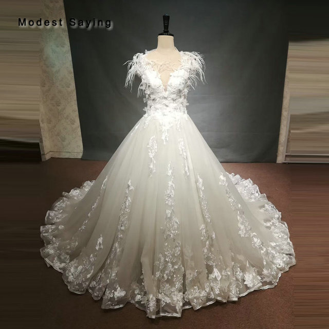 Luxury Ball Gown Ivory Feather Flowers Lace Wedding Dresses 2018 Fashion Sweetheart Bridal Gowns With Illusion