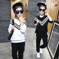 2017 primavera Coreano edição adolescentes meninas roupas definir o estilo navy crianças listras calça casual ternos do esporte ternos two-piece 6-16 T