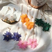 2019 New Cute Simple Petal Crystal Hot Earrings Beautiful Lotus Pendant Sweet Wild Tilt Charm