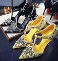 Sexy inferiores rojos de los altos talones rhinestone de lujo punta estrecha mujeres de tipo T de tacón alto zapatos de la boda de dama de honor femenina zapatos 7.5/10 cm