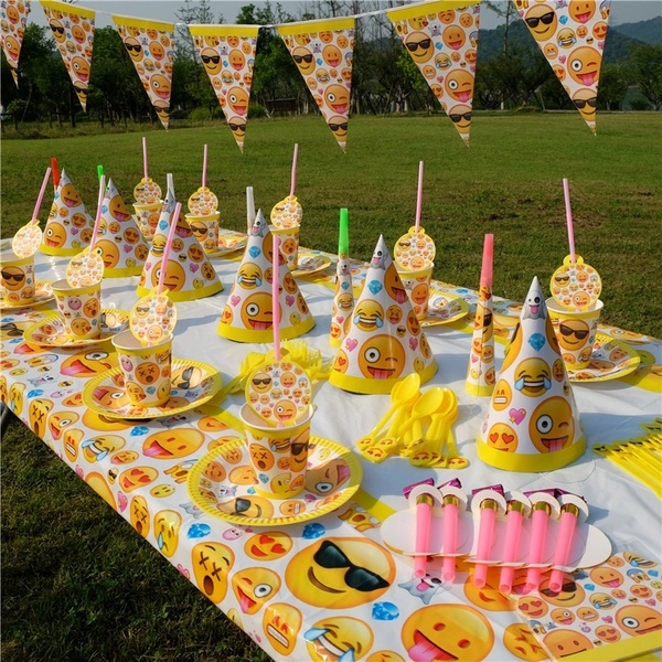 Emoji 78Pcs Set Birthday Party Outdoor Decoration Tableware Paper Napkins Plates Cups Knives Forks Hats For 10 Kids Use