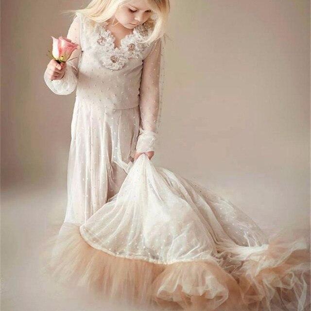 Vintage Boho Blume Mädchen Kleider mit Sweep Zug Perlen Langen ...