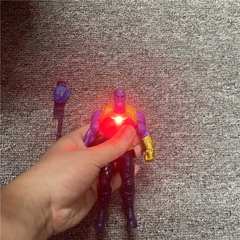 LED ثانوس النمر الأسود كابتن أمريكا ثور الرجل الحديدي سبايدرمان الهيكل المنتقمون Endgame ألعاب شخصيات الحركة نموذج دمية الاطفال هدية