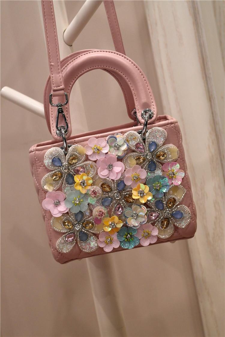 Slanting women's bag 1