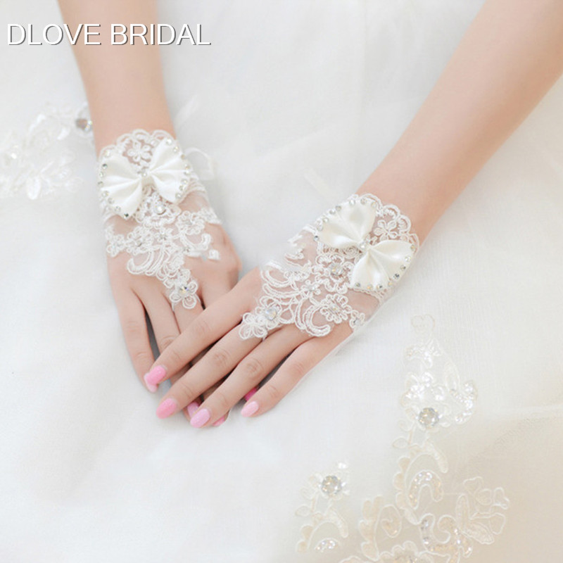 Short Lace Bridal Gloves with Bow Wedding Accessory Wrist Length Fingerless Prom Party Glove