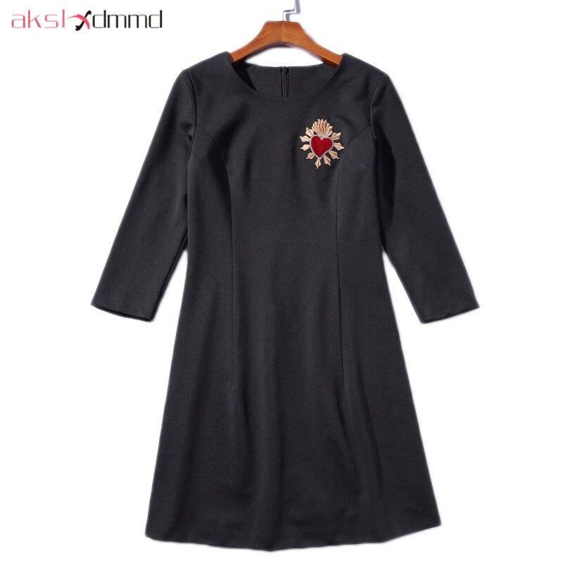 AKSLXDMMD décontracté noir robe 2019 nouveau automne et hiver o-cou a-style broderie amour fête femmes robes Vestidos LH1326