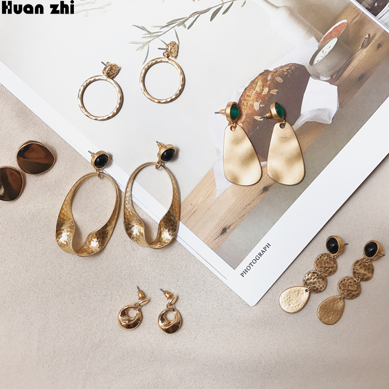 HUANZHI Vintage Simple Irregular Oval Round Circle Chain Metal Wave Wafer Green Ball Long Stud Earrings for Women Girl Gift chain