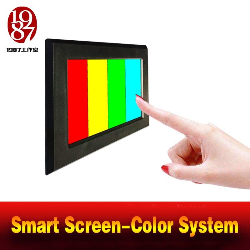 Écran intelligent d'app de puzzle de couleur de prop d'évasion de pièce de réalité ajustez le coussin de couleur à la bonne couleur pour débloquer la chambre d'évasion mécréant