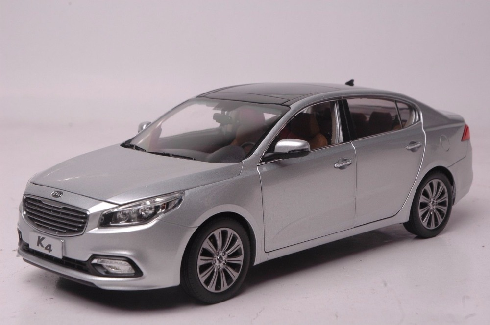 1:18 Diecast Model for Kia K4 2014 Silver Sedan Alloy Toy Car Miniature Collection Gifts Cerato 1 18 diecast model for buick lacrosse black classic sedan alloy toy car collection gifts