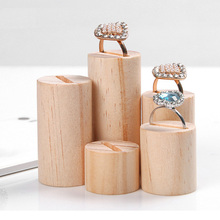 Hot selling new Design Wooden 5PCS/Set Popular Rings Holder Jewelry Storage Display Stand Keychain Rack