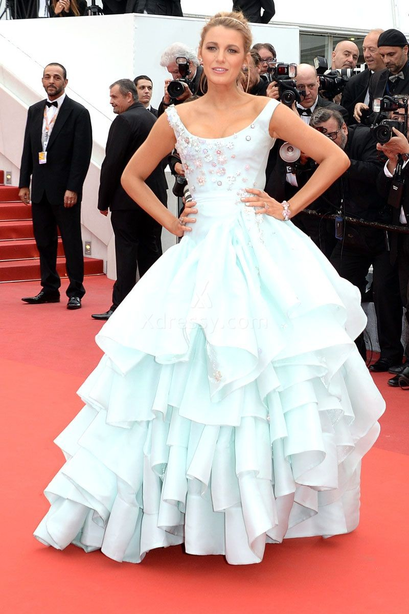 blake-lively-baby-blue-tiered-ruffled-ball-gown-celebrity-prom-dress-cannes-2016-1