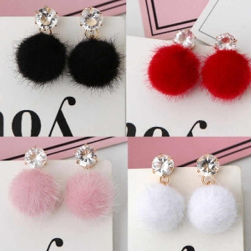 2019 mode tempérament court paragraphe plein réseau de Distribution rouge cristal boucles d'oreilles coréen minimaliste cheveux balle boucles d'oreilles