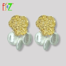 F.J4Z New Irregular Pearl Charms Earrings Baroque ZA Earrings for Women Stunning Cocktail Earrings Jewelry Accessories pair of stunning rose wedding earrings jewelry for women