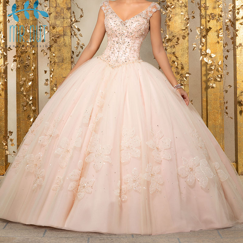 Luxury Crystals Ball Gown Quinceanera Dresses Beaded Open Back Pageant Gown Long Tiered Organza Vestido De Festa Debutante