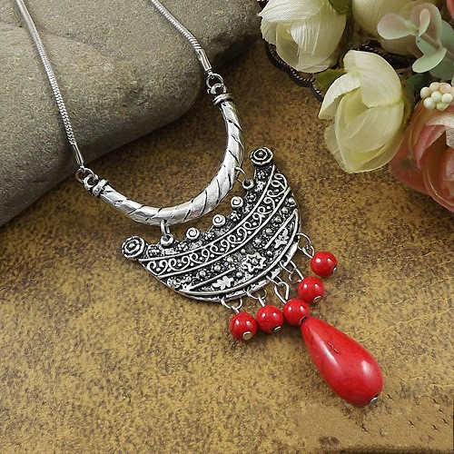 New Choker Necklace Fashion Ethnic Vintage Silver Color Colorful Bead Pendant Statement Necklace For Women Jewelry in Pendant Necklaces from Jewelry Accessories